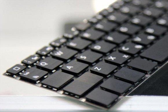 Технология самой тонкой «воздушной» клавиатуры с обратной связью.